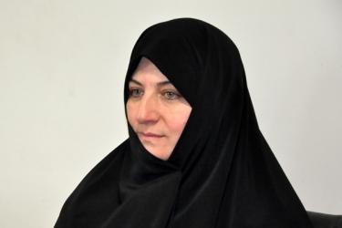 عصمت ریاضی کارشناس دفتر امور بانوان و خانواده